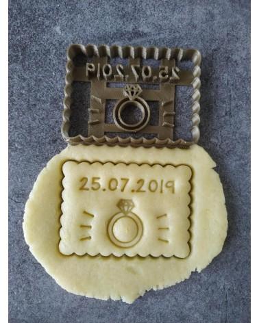 Biscuit sablé petit beurre avec une bague de mariée personnalisé avec une date