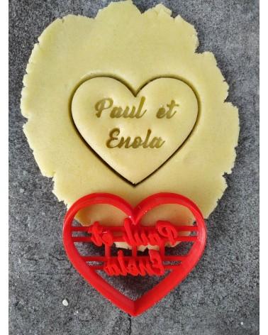 Biscuit sablé en forme de coeur personnalisé avec des prénoms